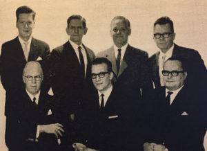 Foreningens formænd gennem 34 år. Siddende fra højre: Ove Hansen, Ove E. Dalsgaard, Hans Pedersen. Stående fra venstre: Preben Lassen, Børge Nielsen, Ole Albretsen, Richardt Hansen